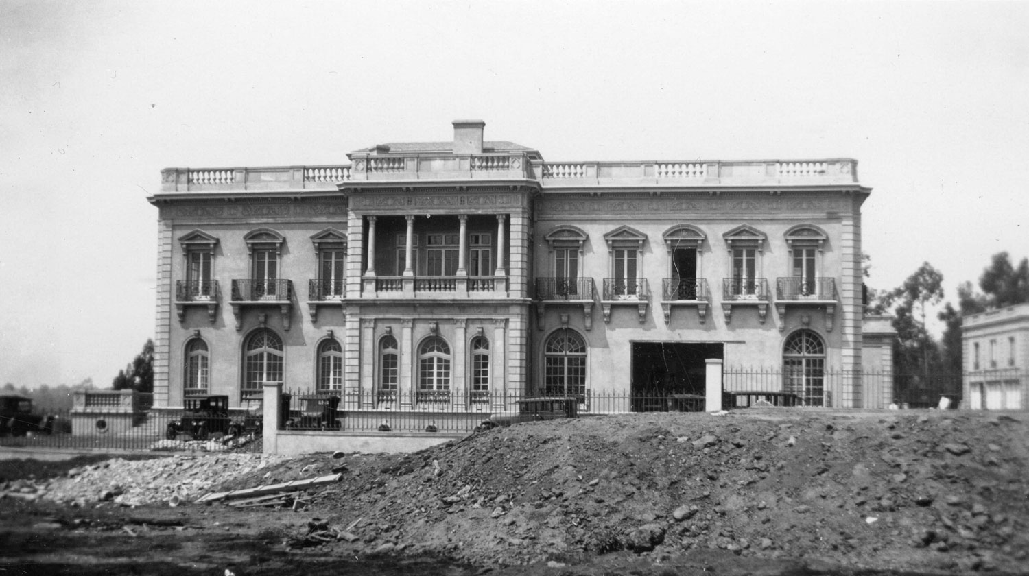 Botiller mansion under construction