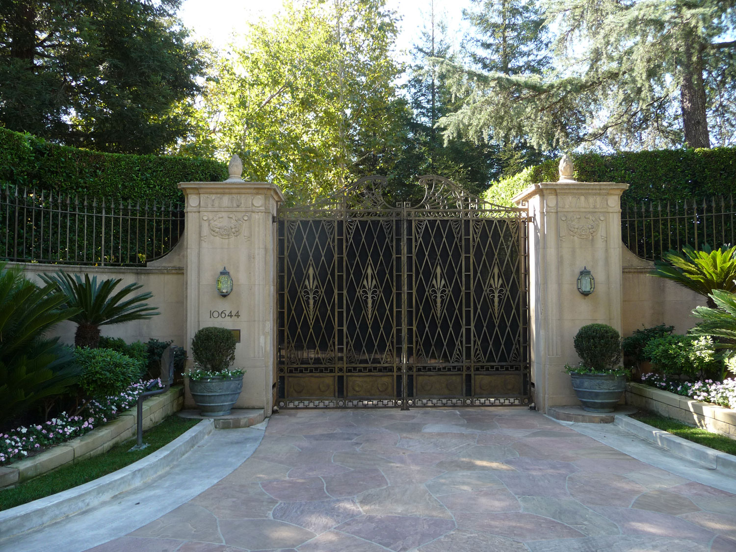 Gates of Casa Encantada
